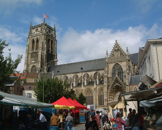 Grote markt O.l.V.-Basiliek (Tongeren)
