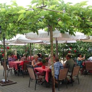 Bie de Buure (Café-Restaurant-afhaal frituur)
