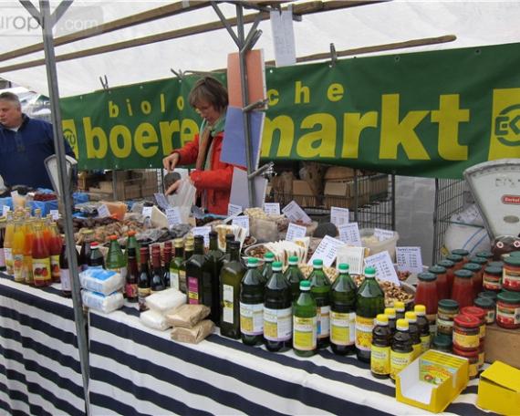 Organic farmers market (Maastricht – NL)
