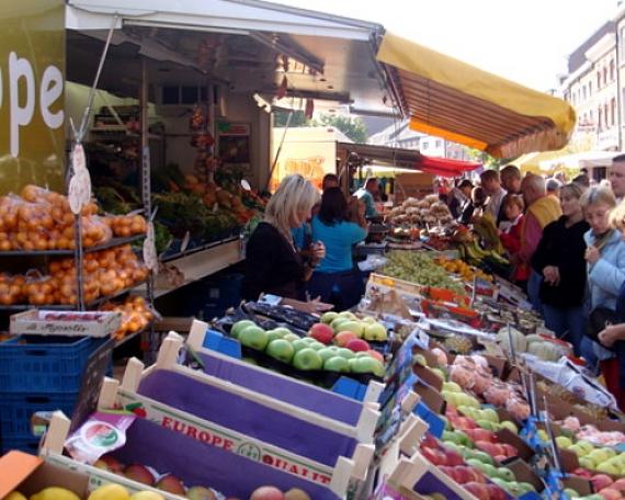 Petit marché des produits de base (Aubel)