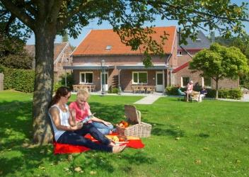 'Begijnhof' – 2 – 24 pers. (4 woningen)