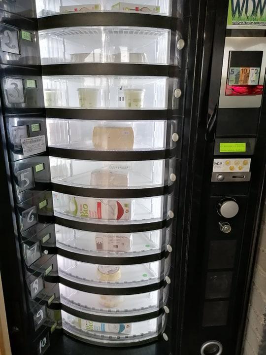 bio-klaas-en-zuivel-automaat-automate–fromage-et-produits-laitier